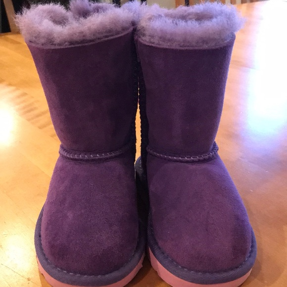 21eb2428656 New toddler Uggs size 7, w/o box